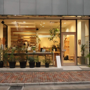 工房訪問!『WOODWORK』藤本さんにインタビュー!『古着の世界から家具職人へ』