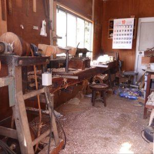 神戸洋家具伝統の刳物工房『平和木工所』