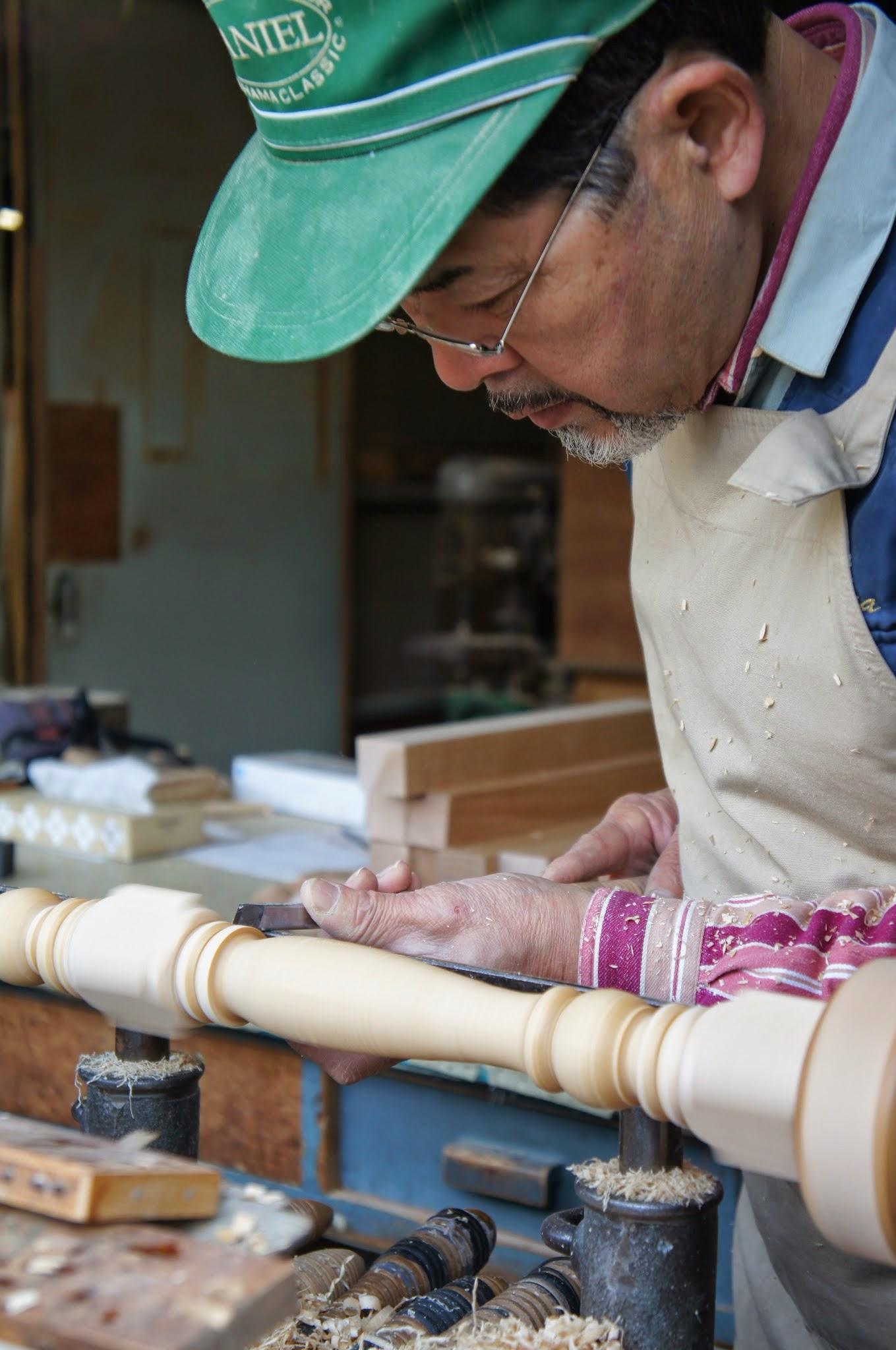 職人が長年培ってきた技術がどんな家具でも修理するという家具の病院を支えている