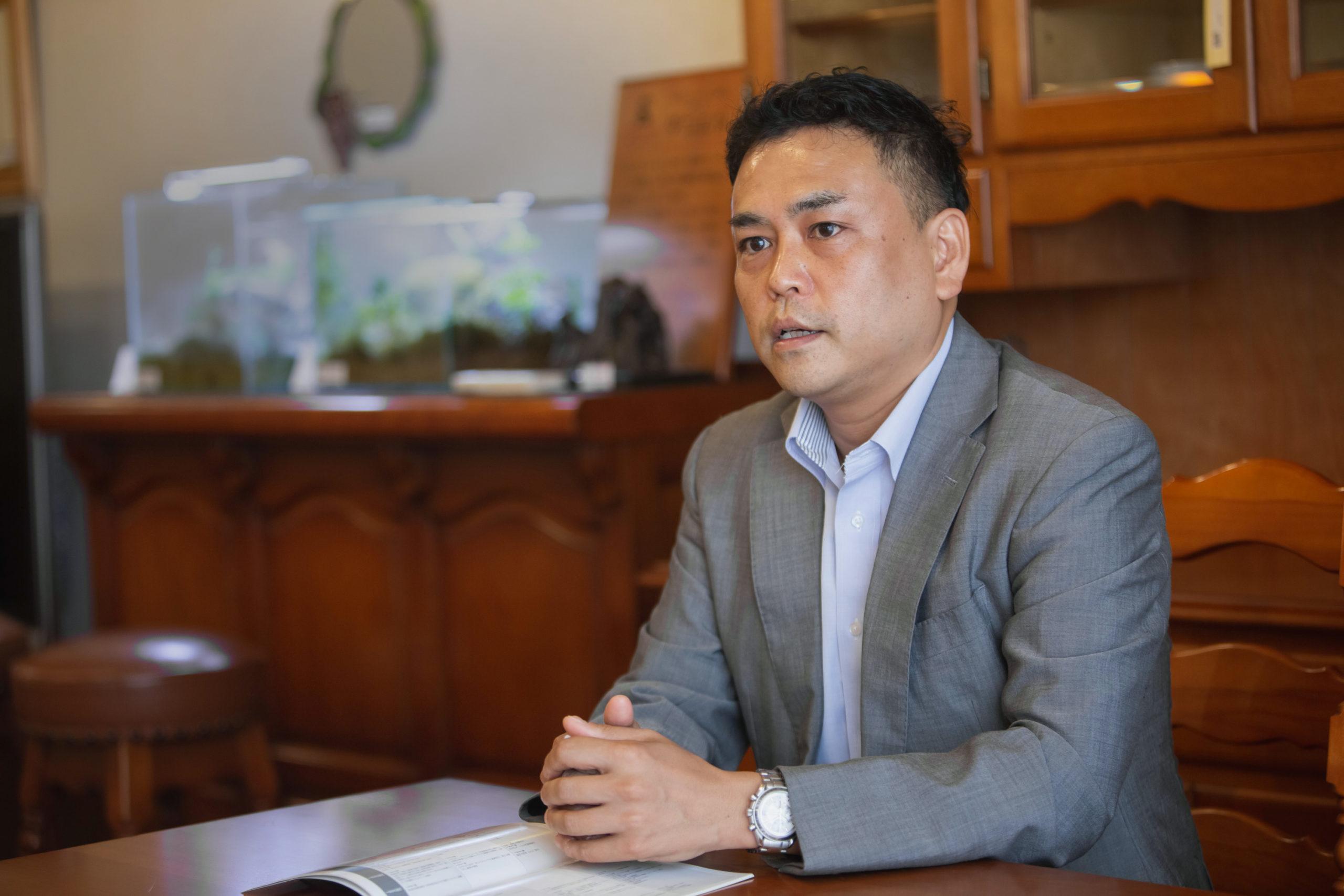 ダニエルの発祥には横浜での洋家具衰退の歴史が大きく関わっているとダニエル代表の咲寿さんは語る