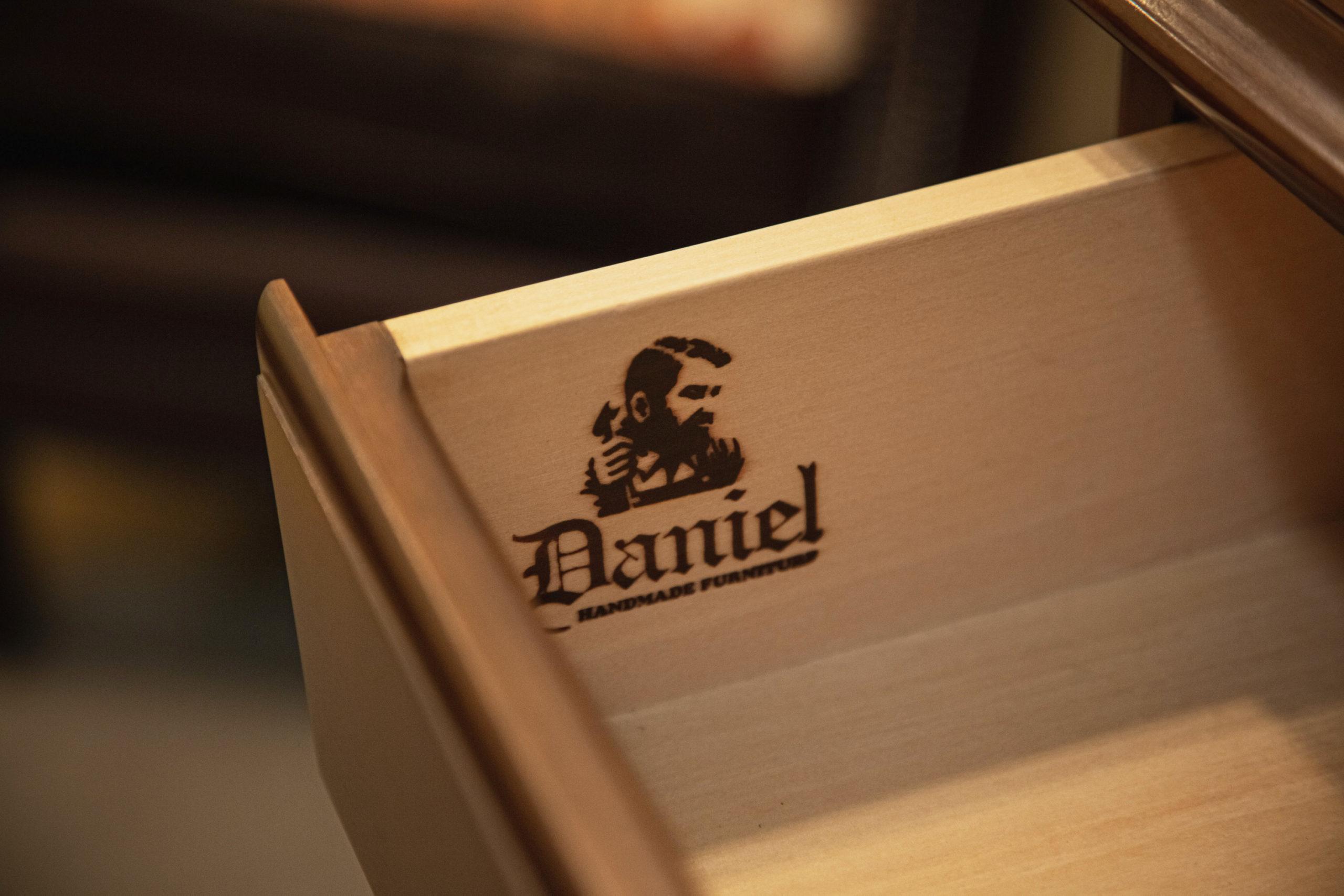 職人の誇りと責任が詰まった刻印がダニエルの真髄を感じる
